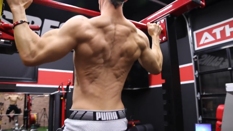 wide grip pullup exercise