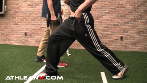 when coming up from the low lunge, glutes engage and hip flexors stretch